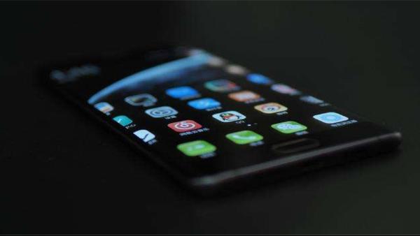 手机屏幕边壳用什么胶水比较好粘接?
